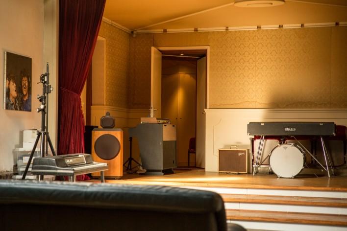 Studio 150-54