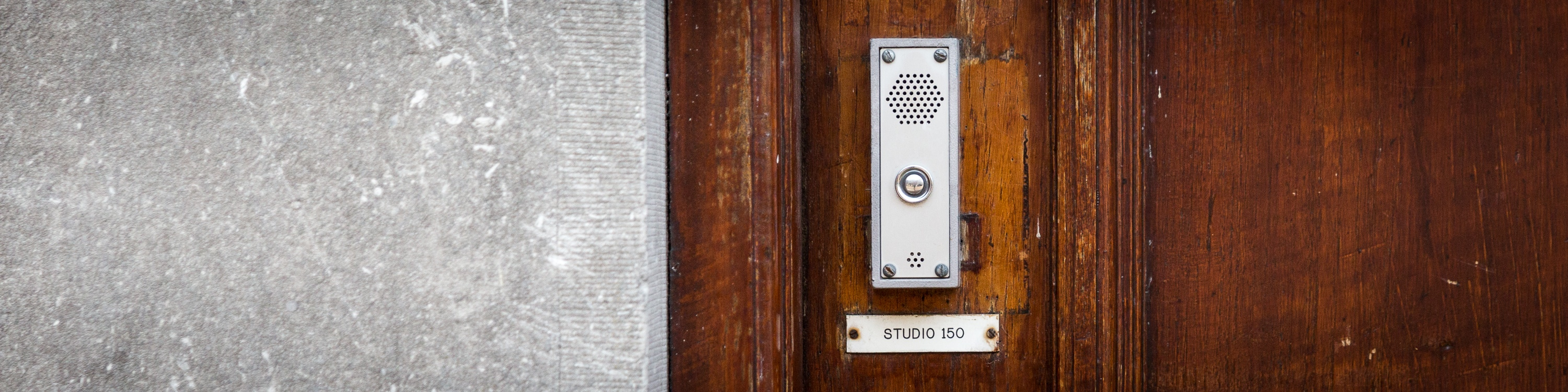 Studio 150 | Door & Doorbell Sliver-1